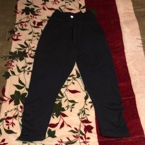 Lululemon black crop leggings